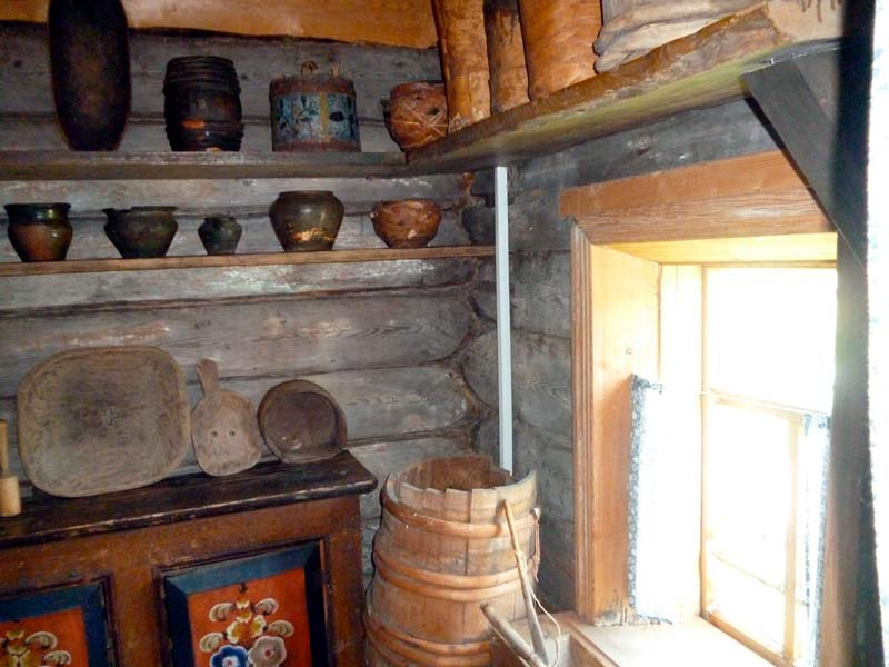 Деревянная посуда на кухне коми-пермяка