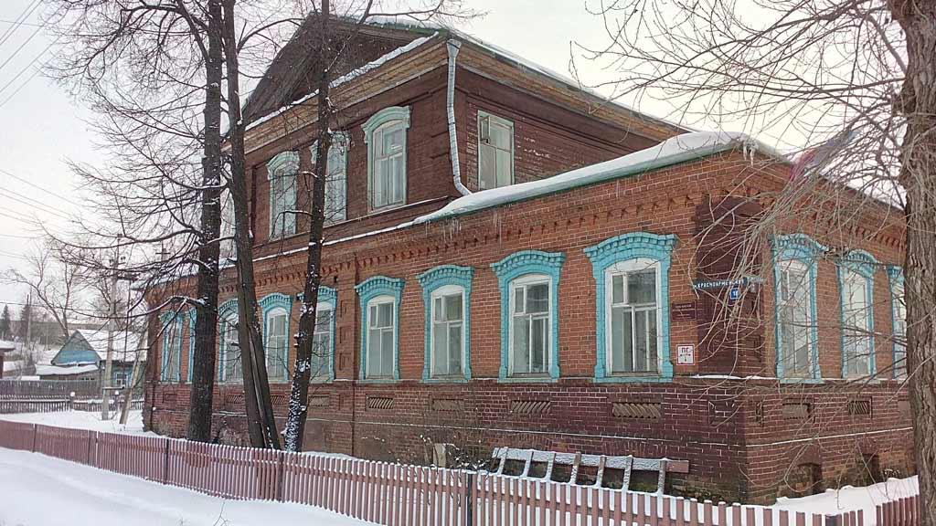 Дом Купца Боталова - здание администрации Юсьвы