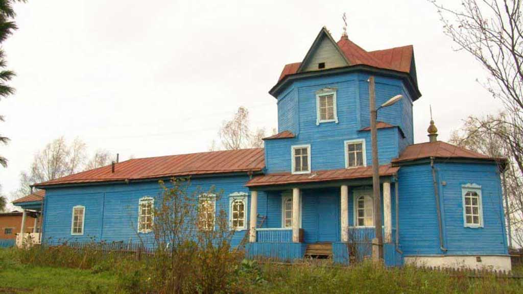 Церковь в селе Ёгва